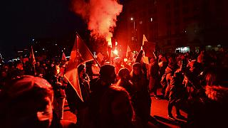 Milhares de pessoas voltaram a manifestar-se em Varsóvia e noutras cidades polacas