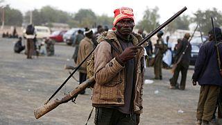 A Boko Haram ellen harcoló nigériai önkéntes 2020 októberében