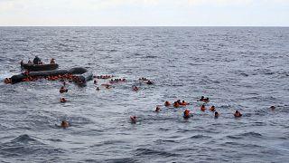 عکس آرشیوی از نجات پناهجویان گرفتار در دریای شمال ۱۱ نوامبر۲۰۲۰