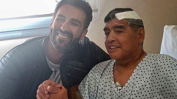 Namun kabar terbaru menuturkan adanya dugaan malpraktik yang dilakukan oleh Dokter Leopoldo Luque terhadap Diego Maradona. Kediaman dan kantor Luque sudah digeledah polisi Argentina sebagai bagian dari proses penyeledikan yang disetujui jaksa dan hakim.