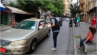 توزيع كمامات مجانية في شوارع بيروت