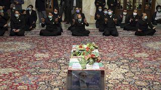 إفامة صلاة الجنازة على جثمان العالم الإيراني محسن فخري زاده في مدينة مشهد شمال شرقي إيران. 2020/11/28