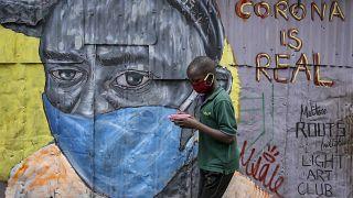 A Nairobi, combattre la Covid-19 grâce aux graffiti