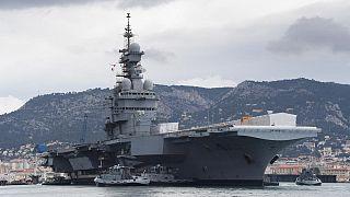 Fransız uçak gemisi Charles de Gaulle