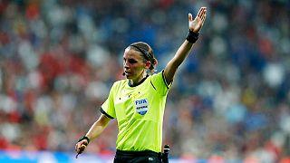 Schiedsrichterin Stéphanie Frappart.