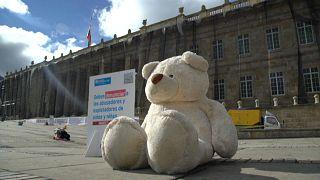 Protesta contra la violencia y abusos a menores