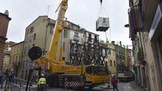 فرق الانقاذ تخرج رجلا يزن حوالي 300 كيلوغراما في فرنسا