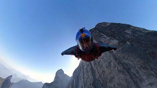 """""""Wingsuit"""" na montanha Tianmen"""