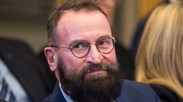 L'eurodeputato ungherese József Szájer coinvolto nell'orgia a Bruxelles