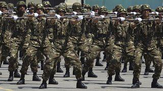 """صورة من الارشيف- مسيرة عسكرية في شرشال """"هواري بومدين"""" في الجزائر العاصمة"""