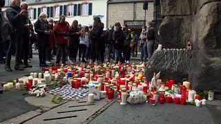 No Comment: Gedenkfeier für die Opfer von Trier