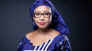 """الكاتبة الكاميرونية دجايلي أمادو أمل الفائزة بجائزة غونكور للتلامذة الثانويين عن روايتها """"ليزمباسيانت"""" التي تحمل طابع السيرة الذاتية وتتناول الزواج بالإكراه وتعدد الزوجات."""