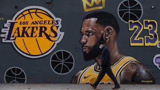 LeBron James avec les Lakers jusqu'en 2023