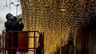 En Espagne, la quête d'un cadeau « porteur de sens » en ce Noël peu commun