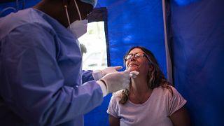 COVID-19 : Résurgence de foyers épidémiques en Afrique du Sud