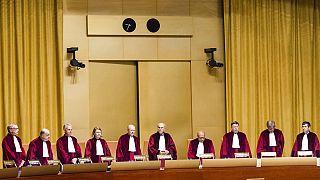 Δικαστήριο ΕΕ: Οι εταιρείες μπορούν να απαγορεύουν την ισλαμική μαντίλα στη δουλειά υπό συνθήκες