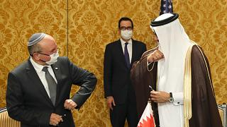 İsrail Ulusal Güvenlik Danışmanı Ben-Shabbat ile Bahreyn Dışişleri Bakanı Zeyyani