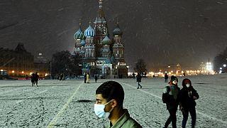 Russia, avanzata Covid