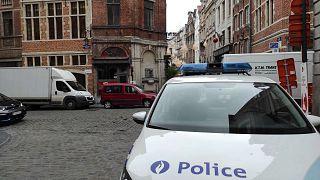 A le Détour bár a rendőrség mellett Büsszelben