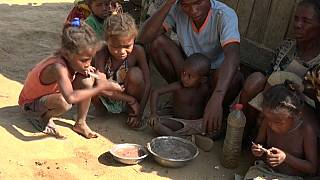 Locals eat white clay mixture as famine hits southern Madagascar