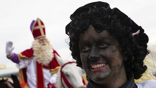 Olanda: Babbo Natale e i suoi aiutanti di colore. Una tradizione che divide