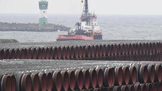 Tuberías para el gasoducto Nord Stream 2 en el puerto de Mukran en la isla de Reugen, mar Báltico, Alemania 4/12/2020.