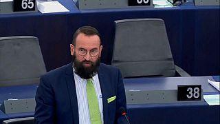 Ουγγαρία: Τι λένε οι πολίτες για το σκάνδαλο με τον Ευρωβουλευτή