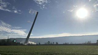 هدم مدخنة بارتفاع يزيد على 300 متر في ألاباما الأمريكية