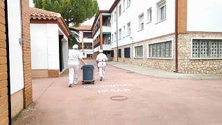 Koronavírus: egy spanyol idősotthon, amin nem fogott a világjárvány