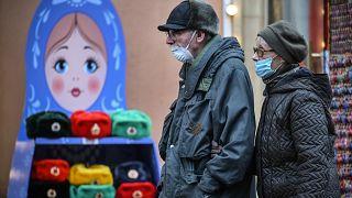 """Rusya'da """"Sputnik V"""" aşısının dozları kullanıma sunuluyor"""