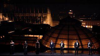 A gala do teatro La Scala: chuva de estrelas de Milão para o mundo