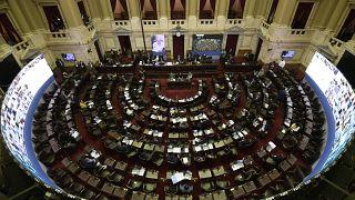 Arjantin, Covid-19 destek fonlarına katkı için 'milyoner vergisi' uygulamasını yürürlüğe koydu.
