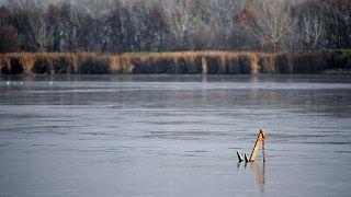 Őszi tó (illusztráció)