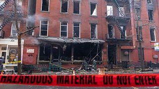 A templom melletti leégett épület New Yorkban
