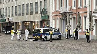 عناصر تابعون للشرطة الجنائية الألمانية
