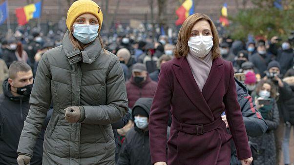 Moldova'da AB yanlısı cumhurbaşkanı için sokağa çıkanlar, Rus taraftarı hükümeti istifaya çağırdı