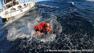 Kevin Escoffier recuperado pela Marinha Francesa