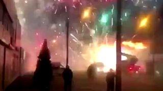 Rusya'da çıkan yangında havai fişekler patladı