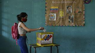 Législatives sans surprise au Venezuela suite au boycott de l'opposition
