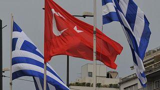 Yunanistan ve Türkiye bayrakları
