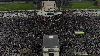 شاهد: احتجاجات في مولدافيا للمطالبة باستقالة الحكومة وإجراء انتخابات نيابية مبكرة