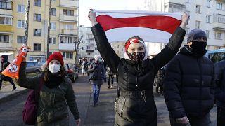 Bélarus : l'opposition poursuit ses manifestations décentralisées