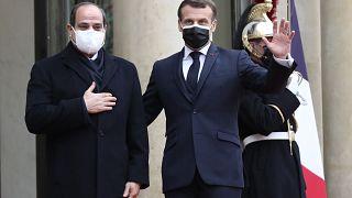 Il presidente francese Macron riceve all'Eliseo Abdel-Fattah al-Sissi il 7 dicembre 2020