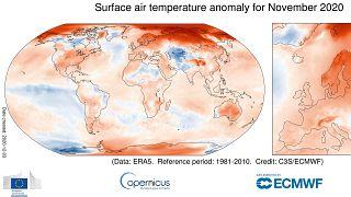 Desviación de temperaturas respecto a la media en noviembre. (Colores cálidos = más temperatura de lo habitual)