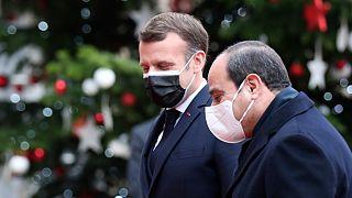Presidente de França dás as boas vindas no Eliseu ao homólogo do Egito