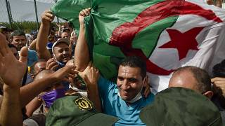 Algérie : Un an de prison pour l'opposant Karim Tabbou