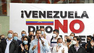 AB, muhalefet lideri Juan Guaido'nun boykot ettiği seçimlerde alınan sonuçları tanımadığını açıkladı