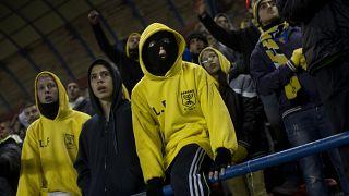 مشجعو نادي بيطار القدس خلال مباراة ناديهم أمام ماكابي أم الفحم في القدس. 2013/01/29