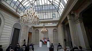 الرئيسان المصري والفرنسي خلال مؤتمر صحافي في باريس. 2020/12/07