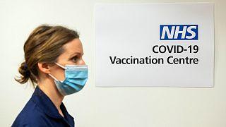 مركز للنلقيح ضد فيروس كورونا في بريطانيا